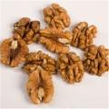 Волоський горіх чищений половинка (фракція ½) бурштин