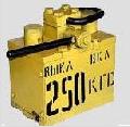 Держатель магнитный ДМ-250 для захвата и транспортировки штучных плоских заготовок из ферромагнитных материалов в цехах металлоконструкций и механических.