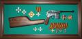 Картина в рамке с оружием о наградами №17