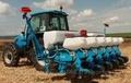 Навесная пневматическая сеялка точного высева с системой одновременного внесения удобрений