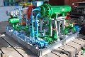 Поршневі компресори високого й надвисокого тиску застосовуються для виробництва мінеральних добрив , для одержання полиэтилена високим тиском , стиску природного й нафтового попутного газу , азоту, водню й гелію, у нефте й металургії