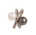 Кольцо, белое золото Au 585° пробы, черный и белый жемчуг со вставками из драгоценных и полудрагоценных камней