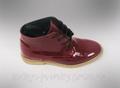 Ботинки женские лаковые весенние бордовые