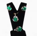 Серебряные кольцо, серьги, подвеска, вставки зеленый агат. ДЕЙСТВУЮТ УСЛОВИЯ АКЦИИ!