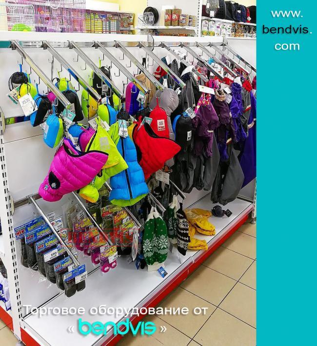 Стеллажи для одежды их виды