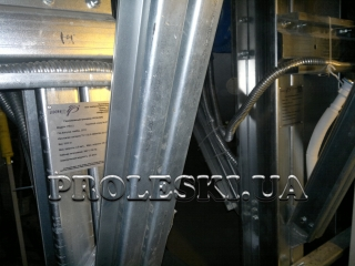 Гірськолижні тренажери PROLESKI приміщенні для лижників і сноубордистів | Виробництво, продаж, установка під ключ | нескінченний схил