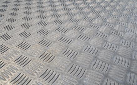 Заказать Порезка алюминиевых листов любой толщины