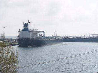Заказать Транспортировка нефтепродуктов (нефтепроводы, железнодорожные цистерны, нефтеналивные танкеры).
