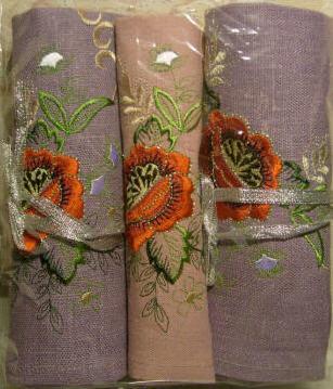 Пошив текстильных изделий под заказ: скатерти льняные для ресторанов, кафе, гостиниц, брендирование