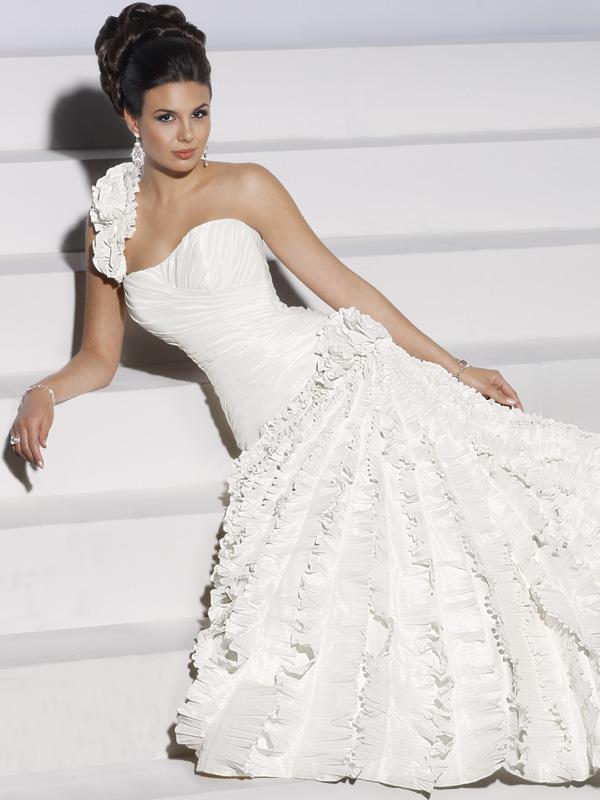 Заказать Прокат свадебных вечерних платьев