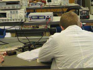 Заказать Телерадиокоммуникации: Ремонт телерадиоаппаратуры; Установка телевизионных и спутниковых антенн; Подключение кабельного телевидения.