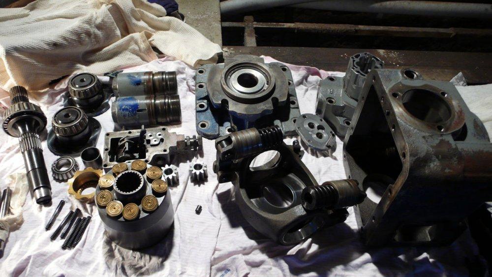 Order Major repair of axial and piston hydraulic pumps of Bosch Rexroth, Sauer Danfoss, Linde, Case, John Deere, Libher, Kawasaki, etc.