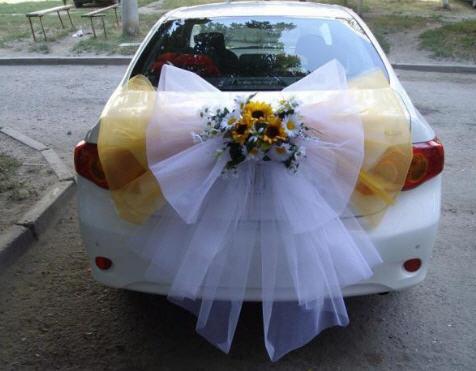 Заказать Украшения на свадебные авто