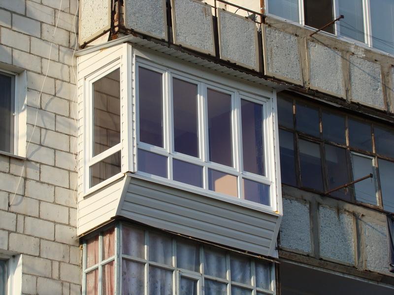 Заказать Расширение и утепление балконов