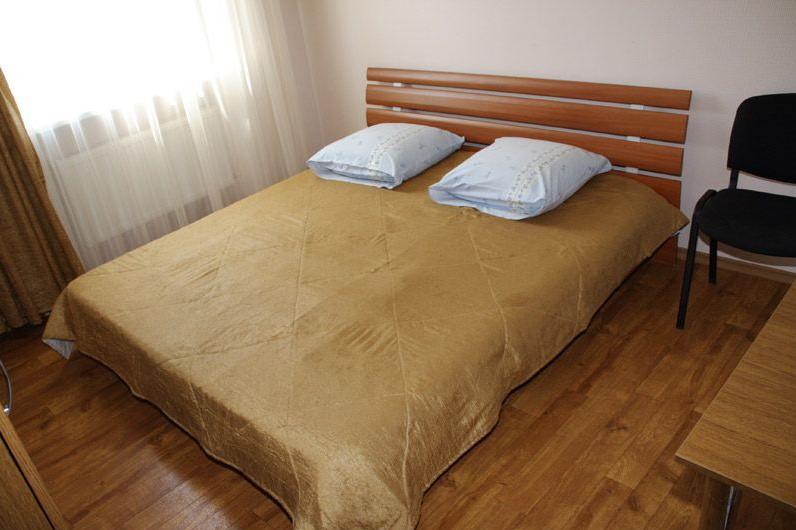 Заказать Люкс (2-х комнатный) - 300 грн. в сутки
