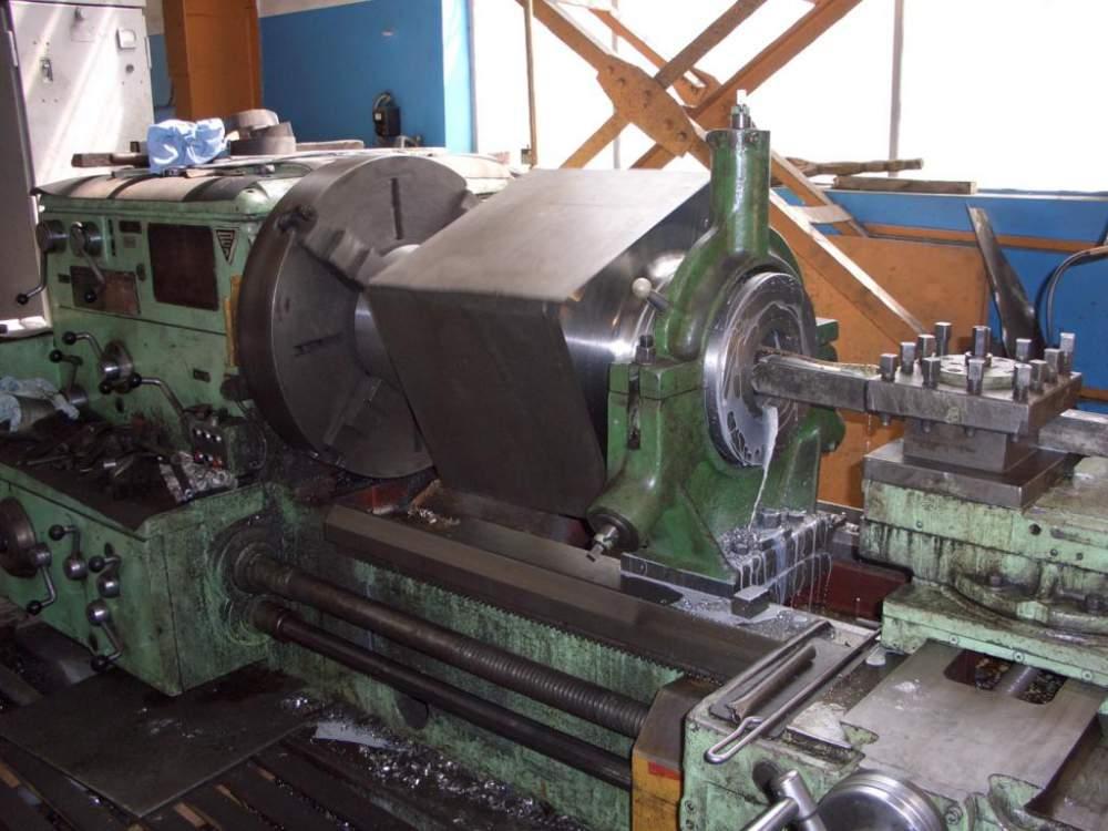 Заказать Токарные работы на ДИП-400 станина 4 метра, до 5 тонн.