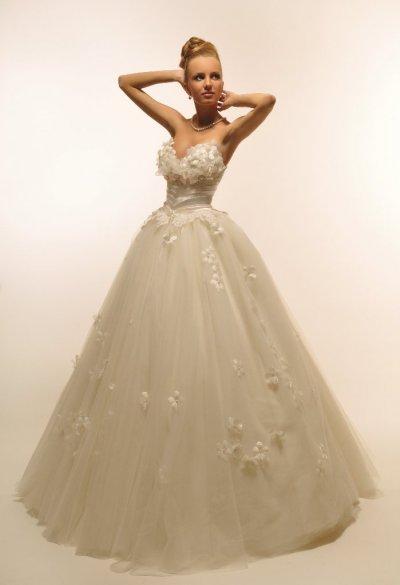 b8e4ef3fd20149e Пошив на заказ эксклюзивных свадебных платьев от Оксаны Мухи ...