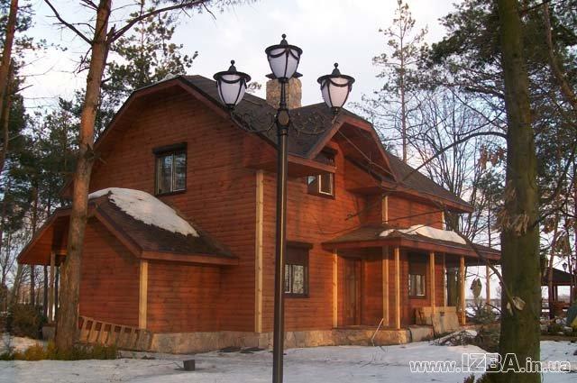 """Строительство коттеджей по индивидуальным проектам """"под ключ"""". Строительство деревянных домов из оцилиндрованного бревна собственного производства разного диаметра."""