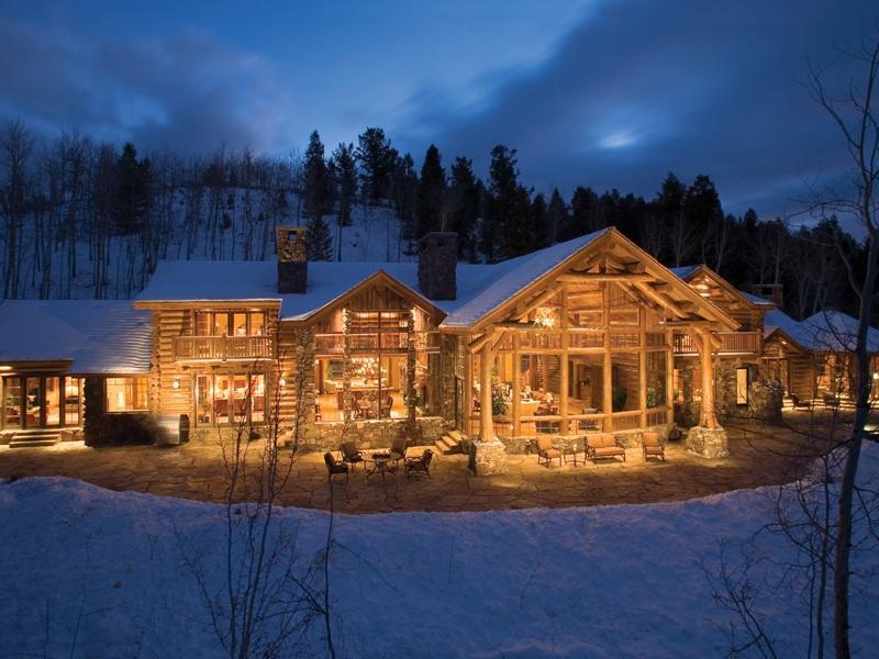Заказать Строительство деревянных домов, зон отдыха, баз отдыха, бань, саун, гостинниц, отелей, частных усадеб в Украине, Закарпатье, Карпатах