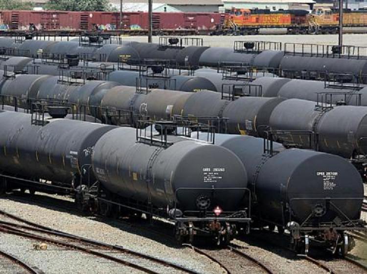 Заказать Топливо, Бензин, дизельное топливо, масла индустриальные, битум, мазут
