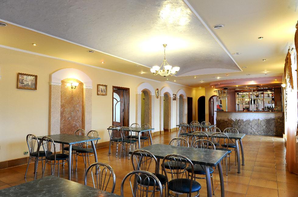 Заказать Продается ресторан в львовской области, яворском районе,смт.Шкло. Готовый бизнес.s=495 кв. М. Два банкетных зала. Бар. Все коммуникации.