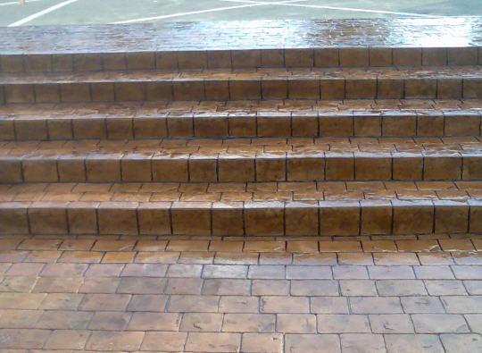 Заказать Монтаж лестниц, поручней, ступенек для бассейнов