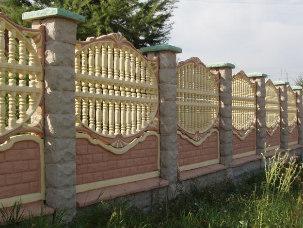 Заказать Установка бетонных заборов, ограждений, колец для колодца