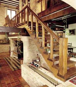 Заказать Устройство лестниц и прочих элементов интерьера. Изготовление лестниц из натурального дерева.