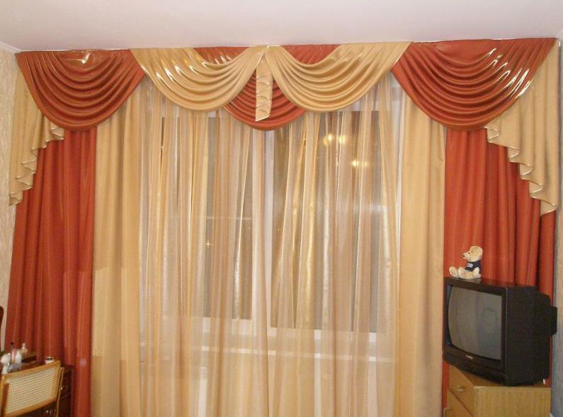 Оформление окон в гостиной спальне