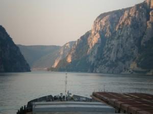 Заказать Перевозки речные по Дунаю