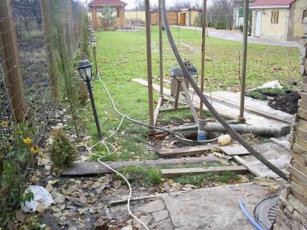Заказать Бурение скважин на воду Харьков Змиев с импортной трубой специальной для скважин