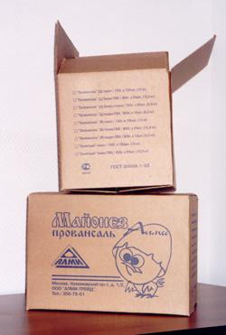 Нанесение логотипа на гофротару. Нанесение рекламы на гофротару. Печать на картоне