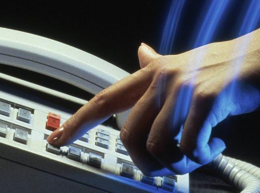 Заказать Организация горячей линии, on-line консультации по вопросам предотвращения насилия в семье и защиты прав ребенка, организация работы электронной горячей линии, разработка и издание информационных и методических материалов для консультантов горячих линий