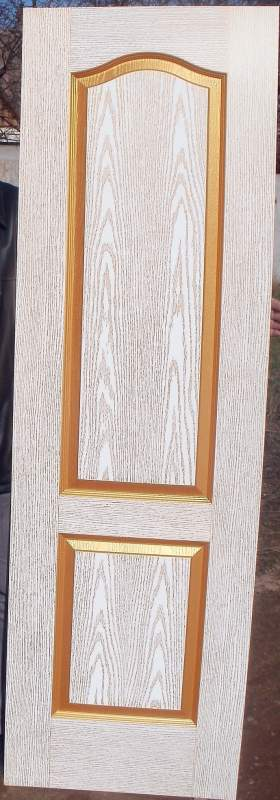 Покрасить деревянную дверь своими руками