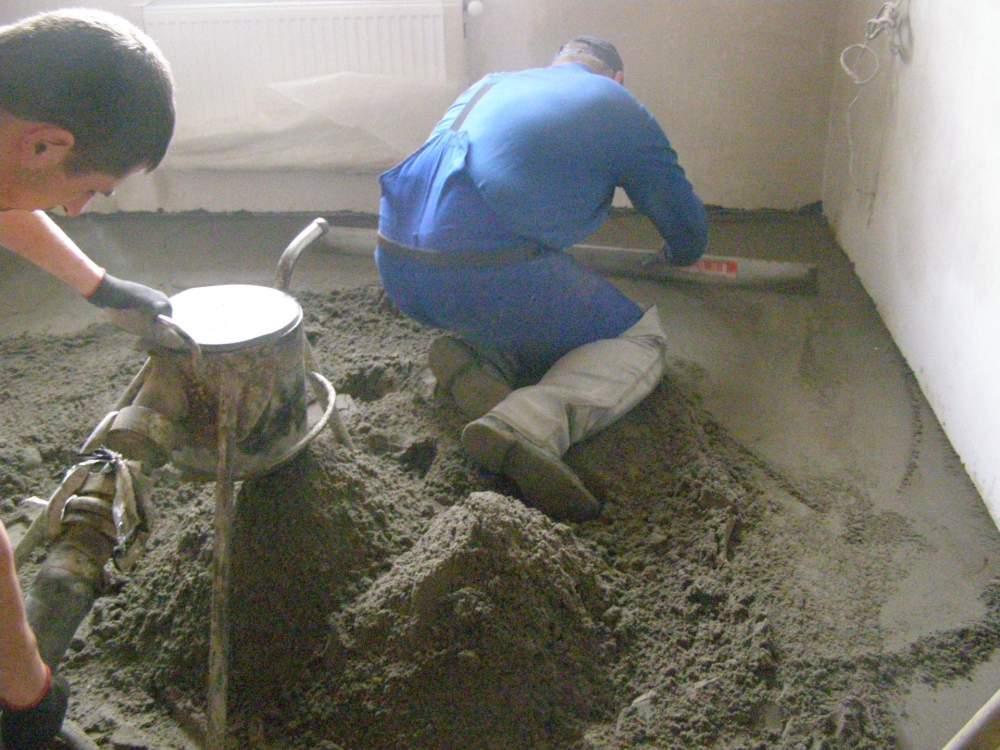 Заказать Стяжка из полусухой цементно-песчаной смеси