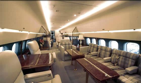 Авиалайнер Mac Douglas MD-83