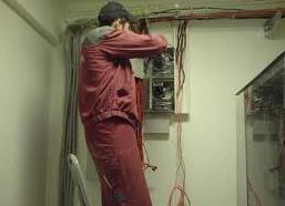 Заказать Выполнение электромонтажных работ, качественно