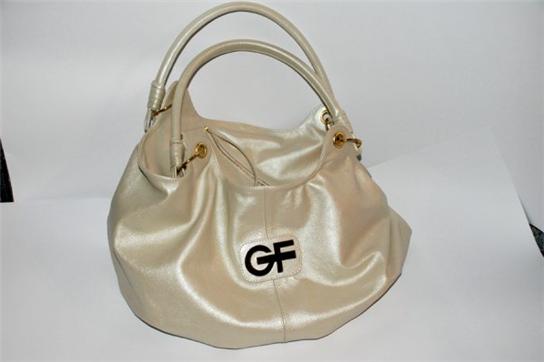 Заказать Индивидуальный пошив женских сумочек