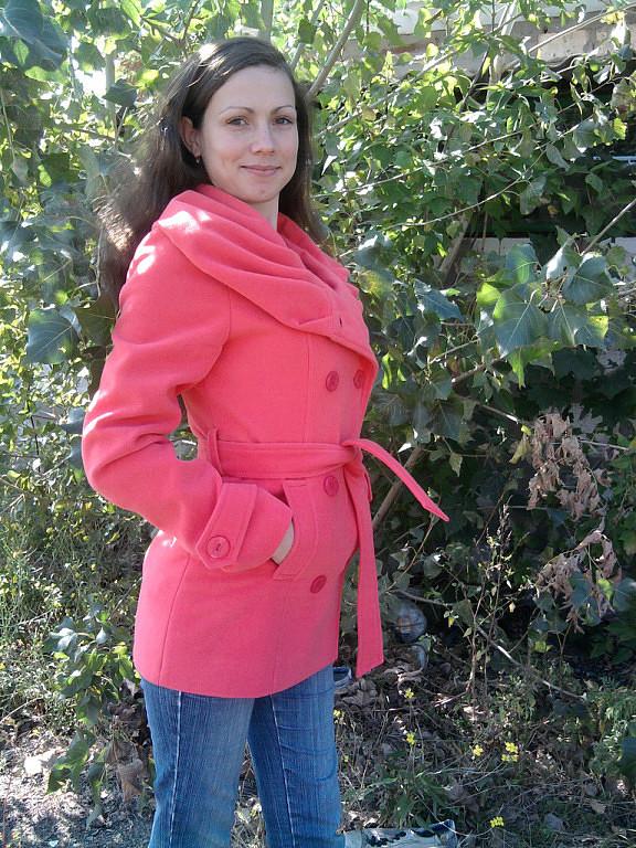 Заказать Шьем пальто, куртки, полу пальто и всю женскую одежду. Цена за работу без материала.