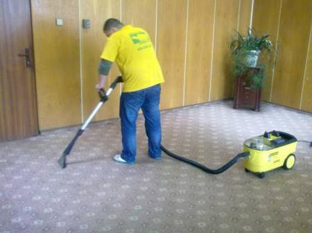 Заказать Уборка квартир, домов. Химчистка ковров и мягкой мебели.
