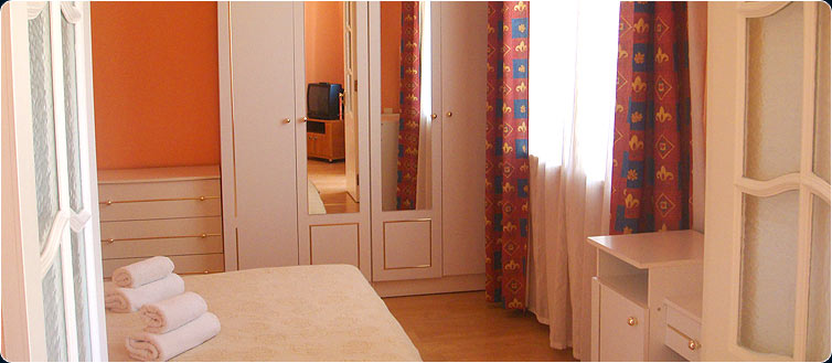 Заказать Двухместный двухкомнатный номер (Family Room), Ялта, АР Крым