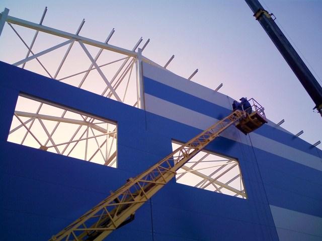 Заказать Строительство быстровозводимых зданий и сооружений из металлоконструкций, с использованием термопрофилей и ЛСТК. Инженерные работы.