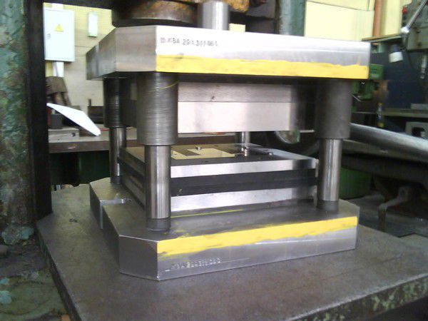 Заказать Пресс штамп (производство, ремонт)