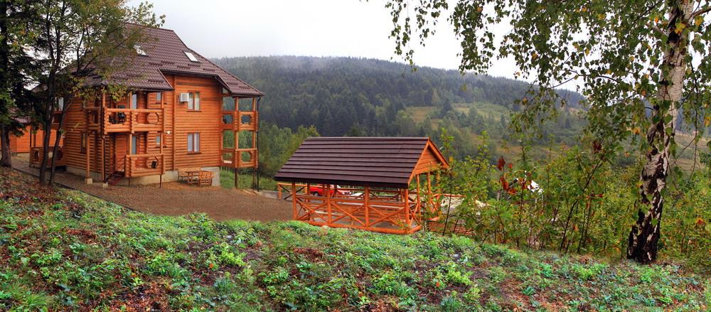Заказать Снять домик в Карпатах, семейный отдых в домиках на новый год в Карпатах, Трускавец, Сходница