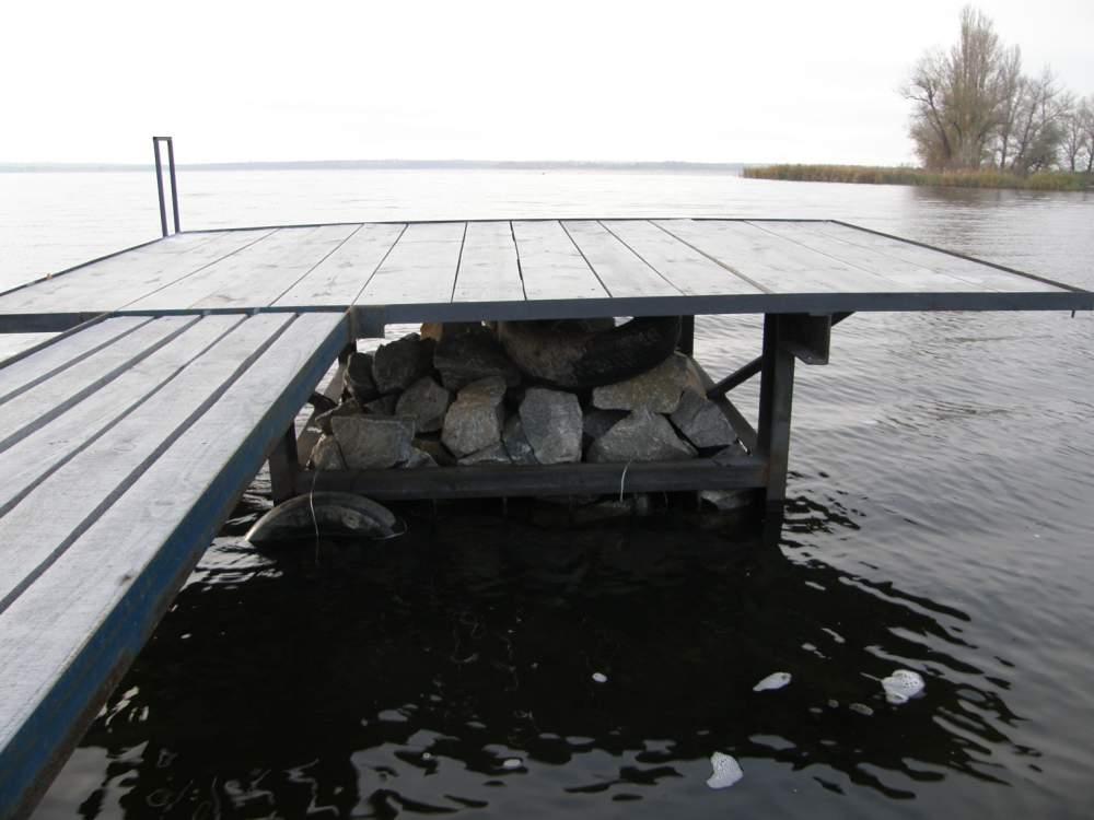 Сделать причал для лодки на сваях