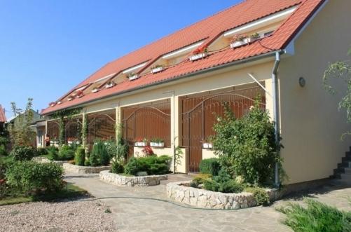 Заказать Гостиница недалеко от Крымской трассы