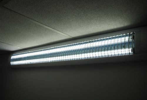 Order LED oveshcheniye of office, floor, warehouse, floor spaces.