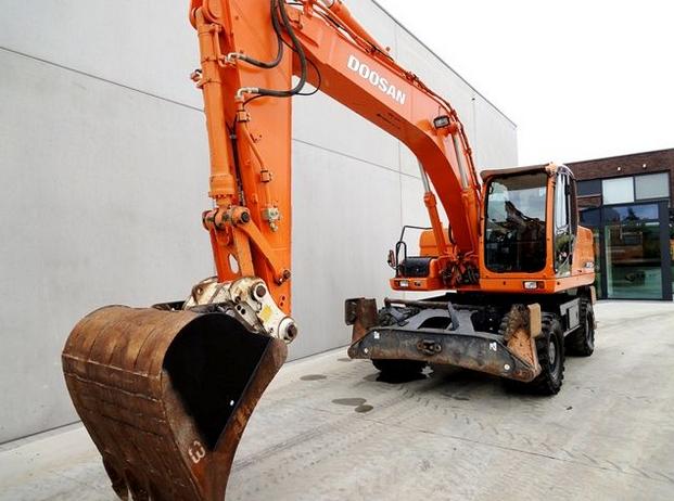 Order Rent of construction special equipment in Kiev and Kiev region.