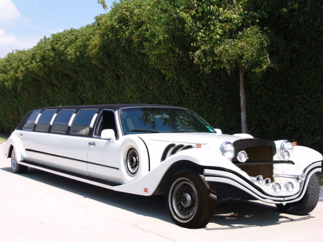 Заказать Ретро-лимузин