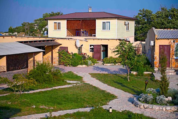 Заказать База отдыха Бриз Наша база отдыха находится в селе Оленевка